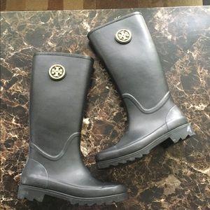 New Tory Burch Sarah gold logo rain boots.